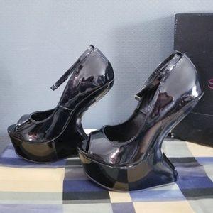 STEFANI Black Heel-less Black Sandals